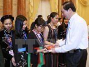 President greets outstanding ethnic minority students