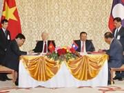 Vietnam, Laos issue joint statement