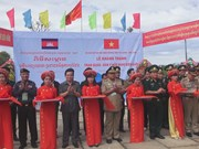Vietnam, Cambodia border guards hold friendly exchange