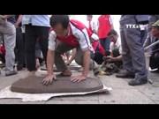 Unique soil firecracker festival in Hai Duong province
