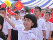 Vietnamese pupils ring in new school year