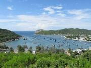 Vinh Hy Bay pristine in Ninh Thuan