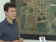 Romanian painter showcases experiences in Vietnam