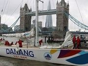 Da Nang-Vietnam yacht race team retires after accident
