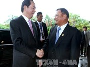 President meets Cambodian legislature, government leaders
