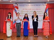 Vietnamese, Russian married couples honoured in Hanoi