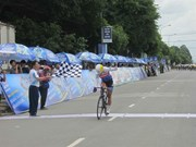 An wins stage, That keeps yellow jersey