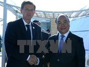 PM talks with Slovenian counterpart on ASEM sidelines