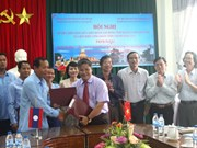 Vietnam, Lao localities boost trade union links