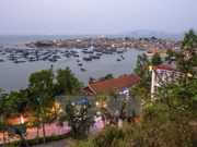Thanh Hoa: Nghi Son island commune at the sunset