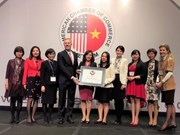 Microsoft Vietnam gets AmCham award