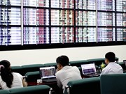 Share declines, foreign sells calm