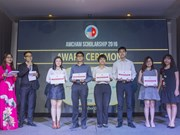 AmCham awards 50 scholarships in HCM City