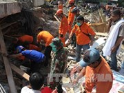 Indonesian President visits quake site