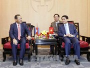 Hanoi, Phnom Penh redouble all-round cooperation