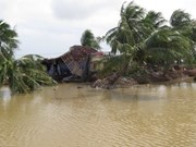 VFF leader receives financial aid in support of flood victims