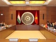 Legislative officials talk promoting Vietnam-Hungary ties