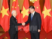 Leaders exchange messages on Vietnam-China ties anniversary
