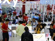 Tet surge in cell-phone sales