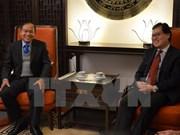 Vietnamese, Lao diplomats in Geneva bolster ties