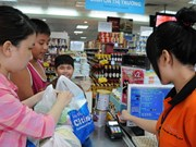 Experts: Cashless economy target too high