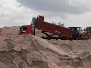 Binh Thuan cracks down on illegal sand mining
