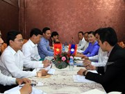 Vietnam, Laos youth unions forge stronger ties