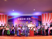 Vietnam-ASEAN Singing Festival in Laos wraps up