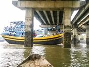 Low bridges endanger boats in southern province