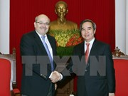 Party official meets with IMF specialists in Hanoi