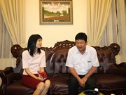 Doan Thi Huong's father visits daughter before trial