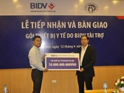 BIDV presents equipment to Hanoi's Saint Paul Hospital