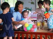 Quang Tri presents gifts to the disabled