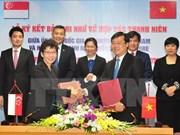 Vietnam, Singapore bolster youth cooperation