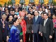 President meets ethnic village chiefs, artisans, prestigious people