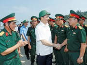 State leader visits armed forces of Nghe An province