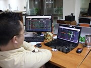 VN-Index falls to 720 on bank losses