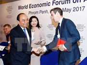 Prime Minister wraps up activities at WEF-ASEAN 2017