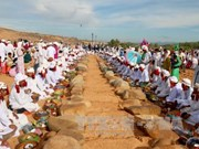 Binh Thuan: Cham Bani people celebrate Ramuwan festival