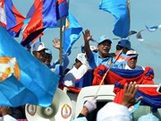 Cambodian PM joins election campaign for first time