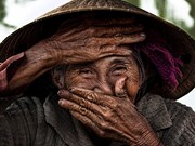 Photo of Vietnamese old woman sold for 10,000 USD