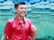 Vietnam representative enters Singapore tennis quarter-finals