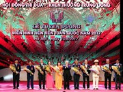 400 role models nationwide commended at Hanoi ceremony