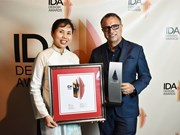 Vietnamese artist receives medal for public work
