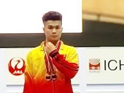 Vietnamese weightlifter wins gold in junior world championships