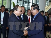 Vietnamese, Cambodian PMs discuss cooperation measures