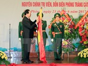 President Tran Dai Quang presents title to Hai Phong border guards