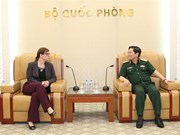 Defence minister receives outgoing Israeli ambassador