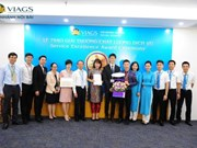 Vietnam Airlines's subsidiaries receive international awards