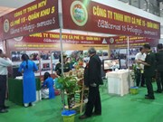 Vietnam-Laos Trade Fair opens to mark bilateral diplomatic ties